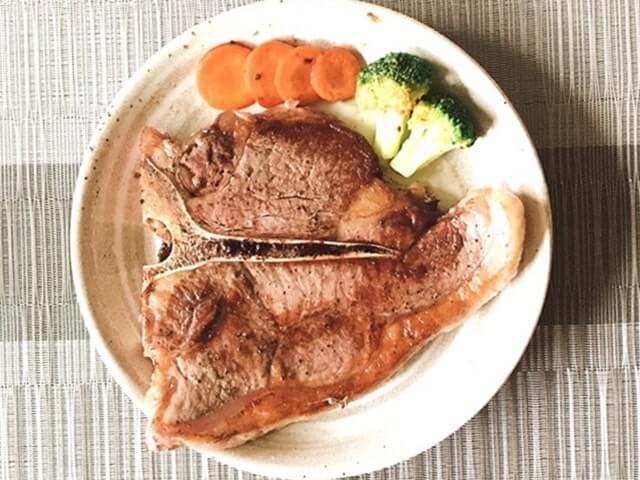 肉の卸問屋アオノの『US産Tボーンステーキ400g』