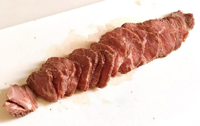 『カナディアン・ローストビーフ』を調理
